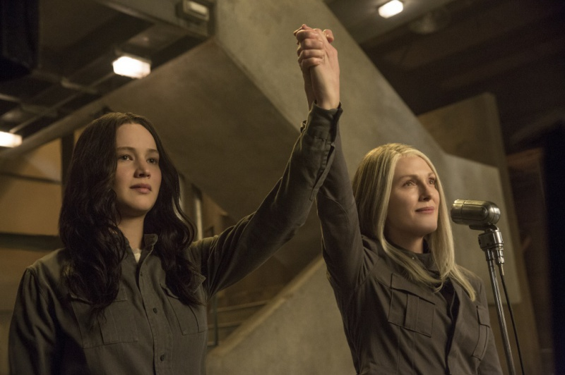 katniss-coin-hands-mockingjay
